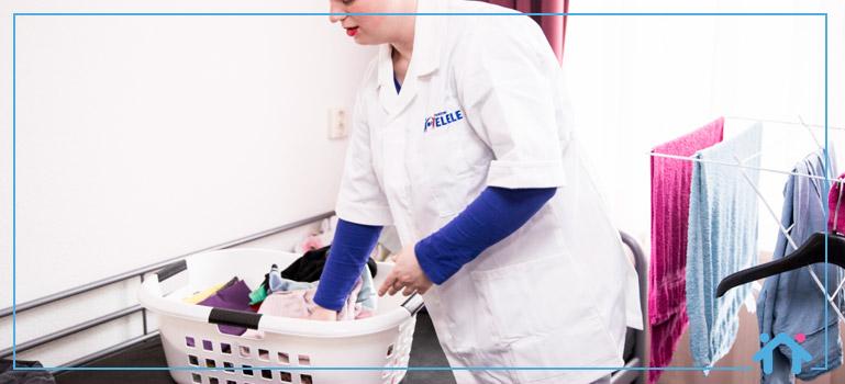 Huishoudelijke hulp kleren wassen opvouwen Thuiszorg ELELE